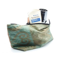 "Big Organic Waterproof Toiletry Bag ""Waoogo"""